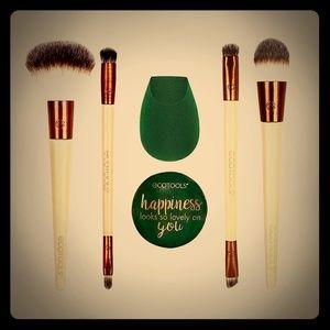 New Ecotools Warm Winter Glow Beauty Brushes Kit